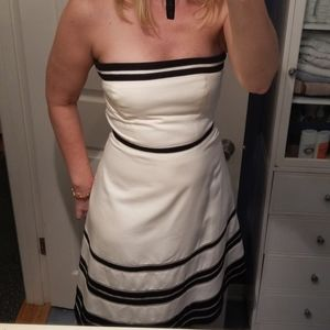 Ann Taylor stapled cream/black dress
